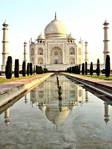 disabled travel wheelchair_taj_mahal_water
